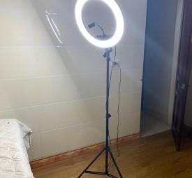 Đèn selfie lớn