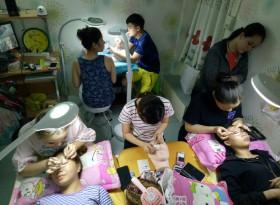 học viên rất chăm chỉ